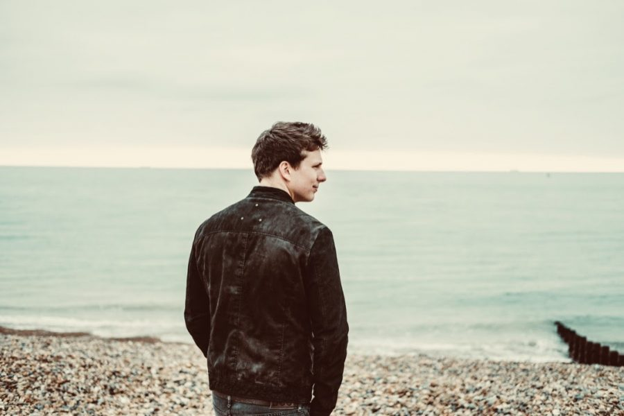 Ben McKelvey releases indie-rock video for 'Wild Child' + shares dates for live shows