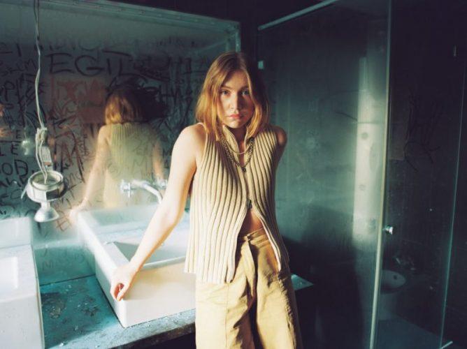 Electro-pop singer Hanne Mjøen breaks new ground with latest song