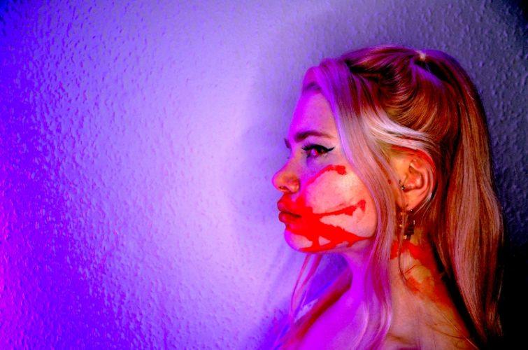 Alt-pop singer MOA addresses struggle with bipolar disorder on latest song