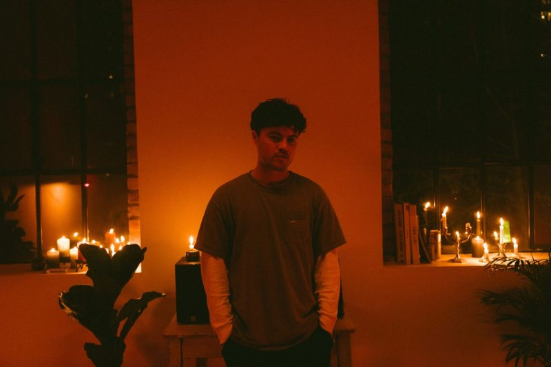 Musician Jerry Folk reinvents himself with indie-pop single