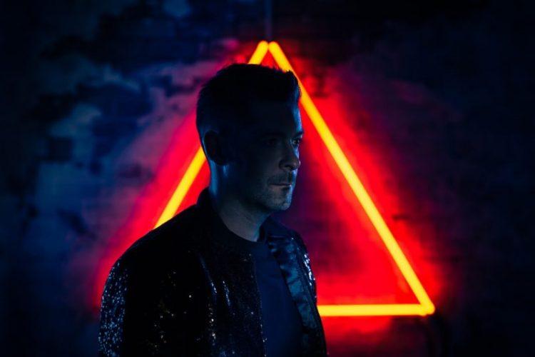 REVIEW: Synthwave connoisseur Michael Oakley shares epic album
